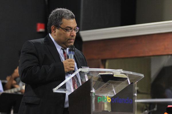 Pastor Lécio Dornas